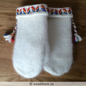 Handstickade Lovikkavantar 1 - säljes