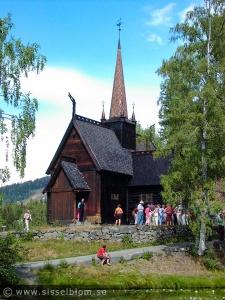 Garmo stavkirke Lillahammer bygdemuseum Byggdes på 1200-talet på en tidigare stavkirke och revs 1880 pga. att kyrkan var liten. Materialet samlades ihop och byggdes upp igen i Maihaugen 1921.