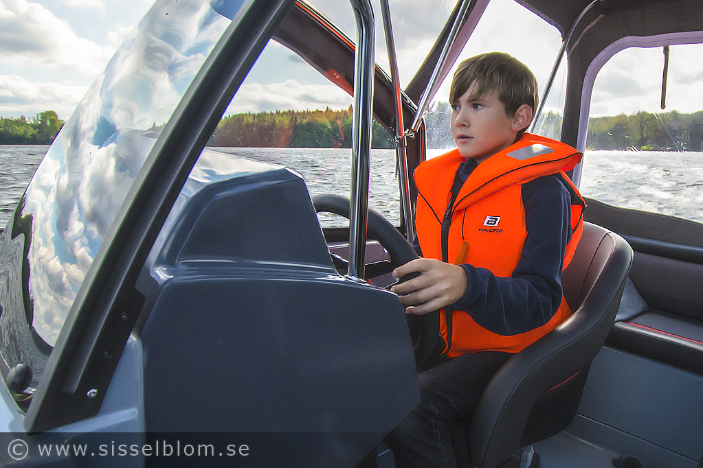 Jesper kör båten Jesper kör båten (2018-09-08)