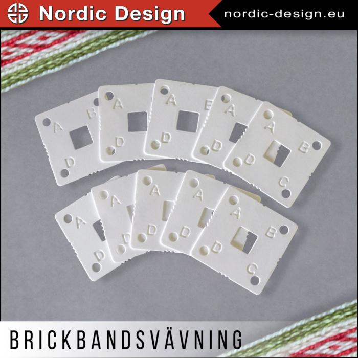 Brickor / Brickbandsbrickor till Brickbandsvävning med bokstäver och markeringar 5,5 x 5,5 cm och 1 mm höga.